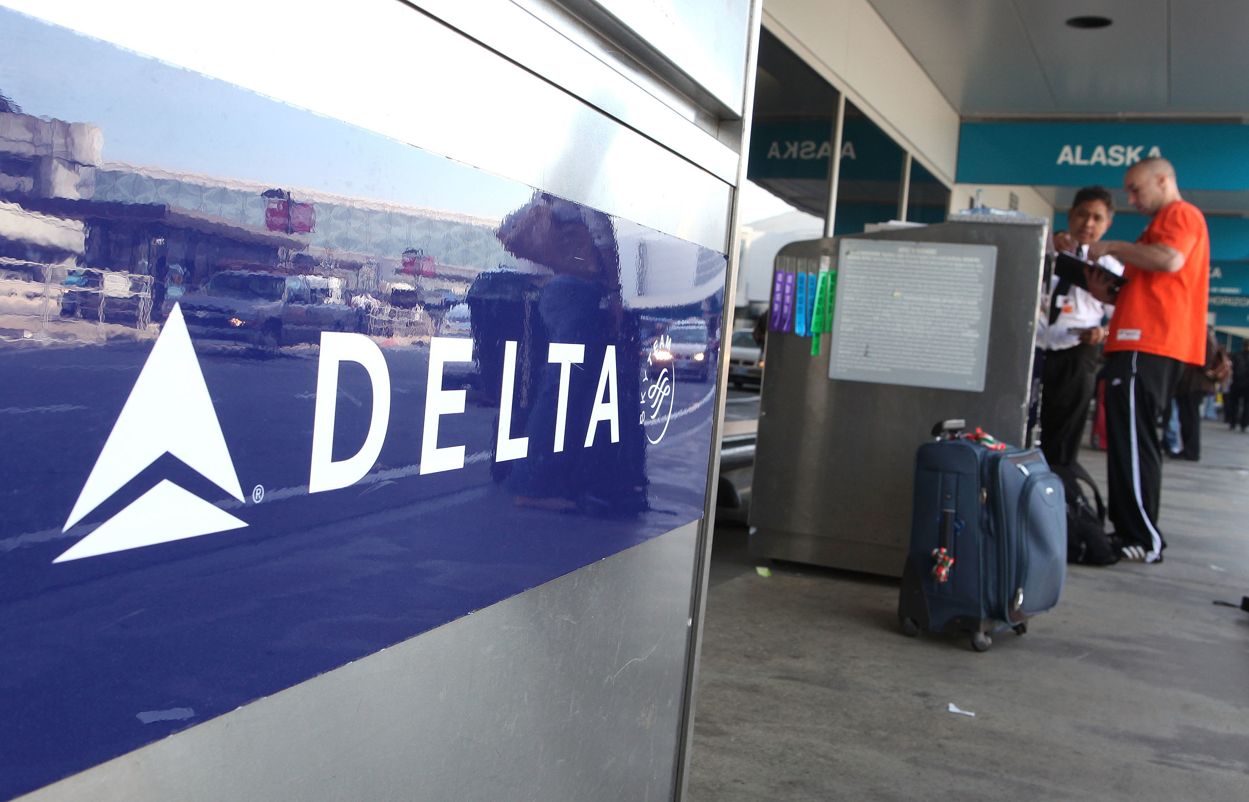 Delta Air Lines Hit Returning Soldiers With Baggage Fees