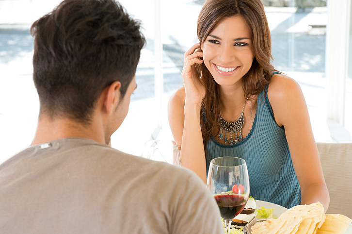 What to talk about first date